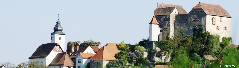 Blick auf Burg und Kirche Hiltpoltstein